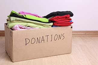 donate used clothes iStock_000019499950_Double 325x216.jpg